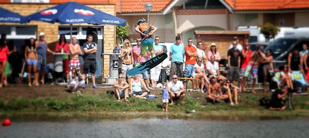 jadrný wakeboarding