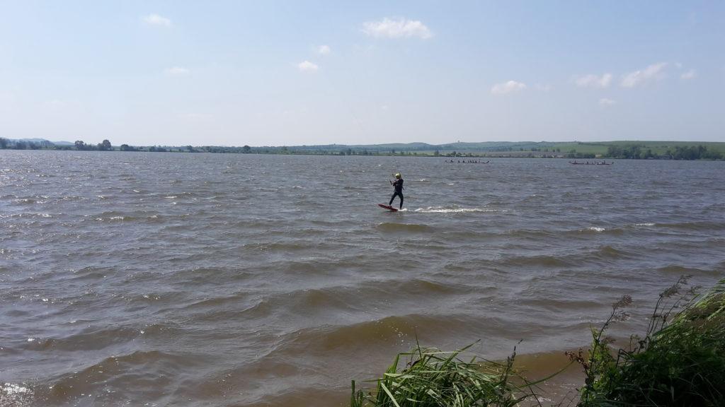 jízda na hydrofoilu