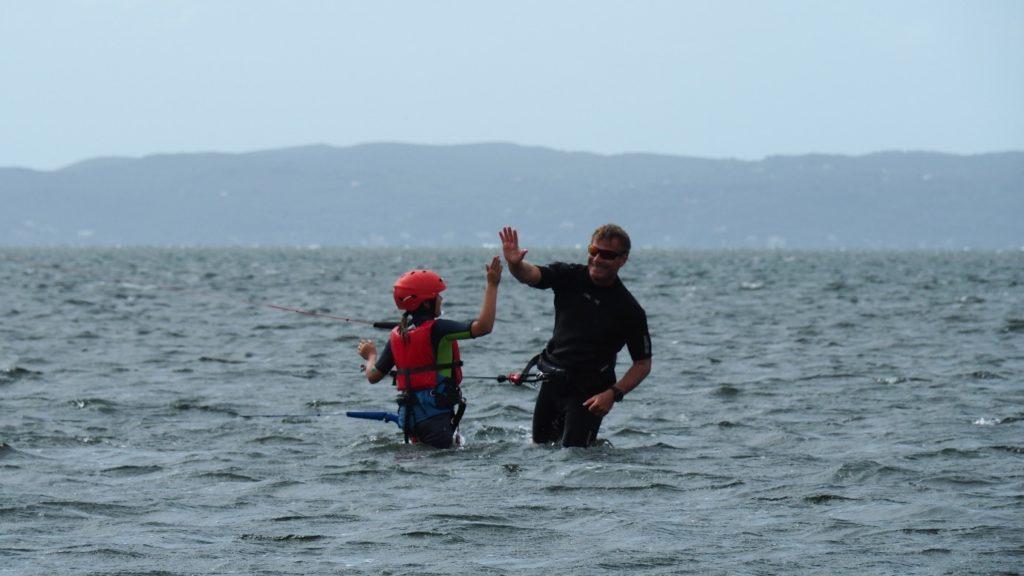děti kiteboarding