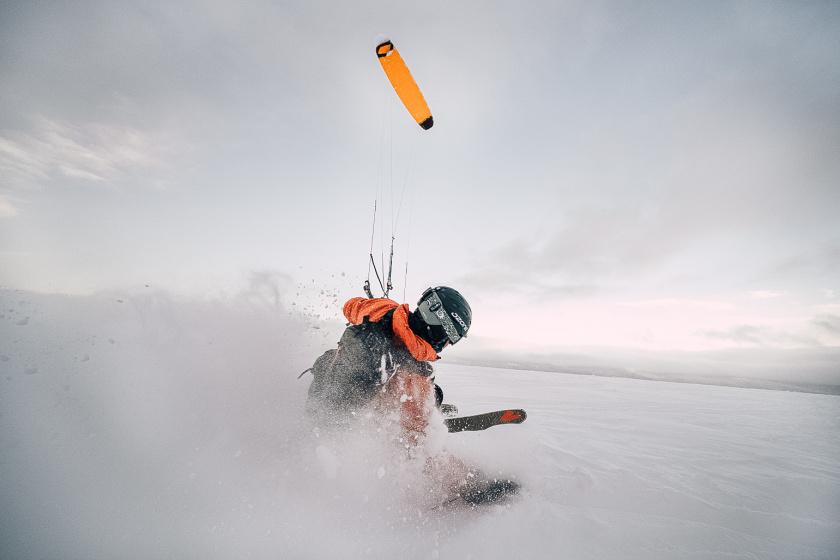 Snowkiting